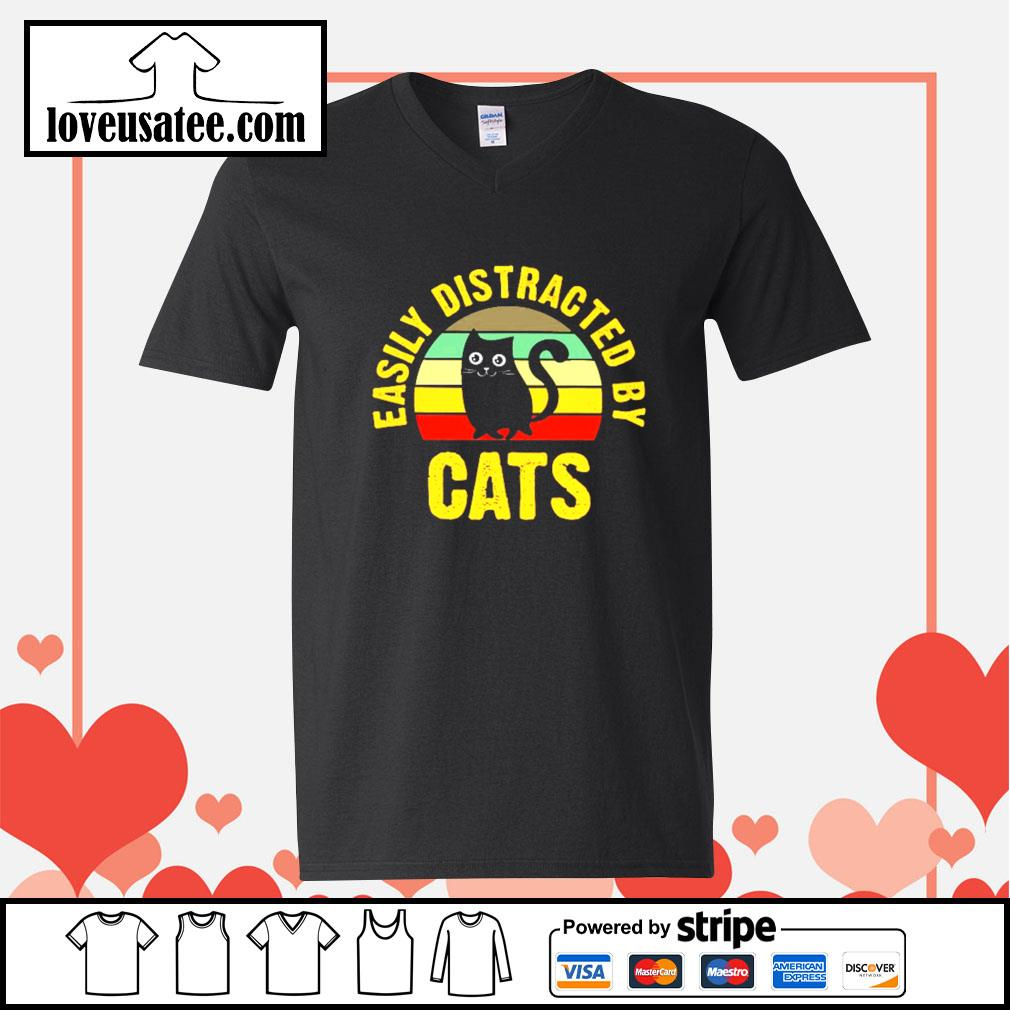 Easily distracted by cats vintage V-neck-T-shirt